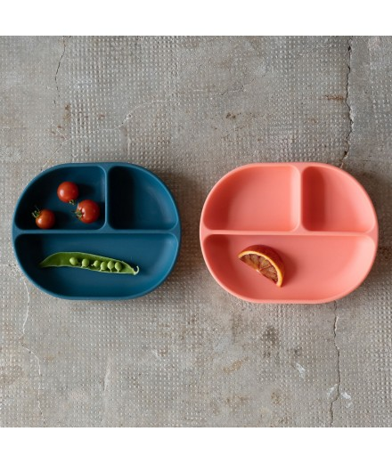 SILICONE SUCTION DIVIDED PLATE - CORAL