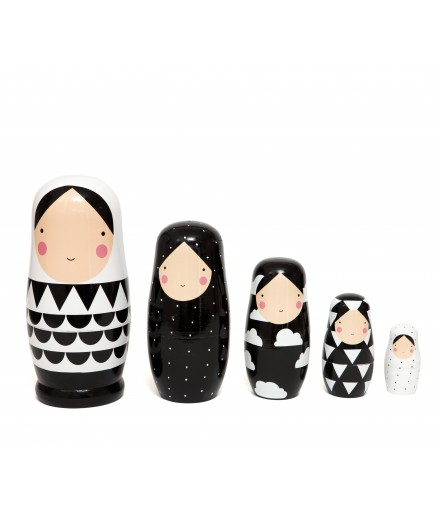 Nesting dolls black and white XL
